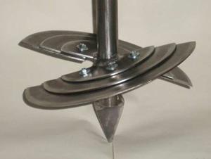 Самодельная ложковидная конструкция для бурения со штырем на конце