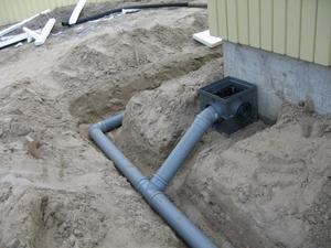 утилизация отходов биотуалетов с помощью дренажной трубы