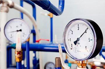 Измерение напора воды манометром