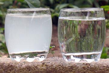 Чистая вода и мутная вода