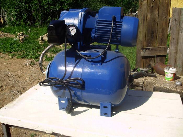 Насосная станция с гидроаккумулятором