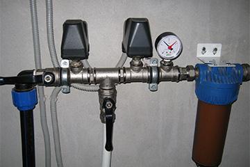 Манометр для контроля давления в баке