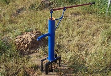 Ручной водяной насос для дачи