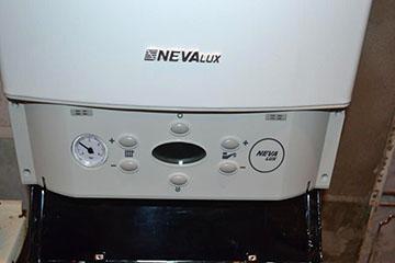 Проточный водонагреватель Нева Люкс
