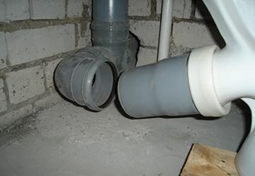 Состыковка унитаза с канализацией